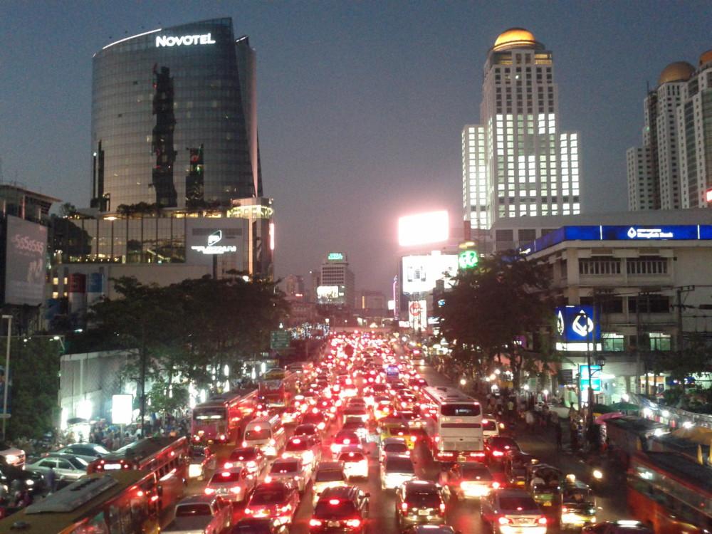 Verkehr in Bangkok Bangkok bei Nacht